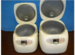 炊飯器(開口時) ※左:5合サイズ 右:10合サイズ